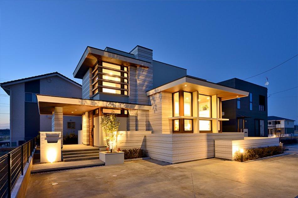 フランク・ロイド・ライトの建築思想を継承し、モダンな空気感を取り入れた造形美。
