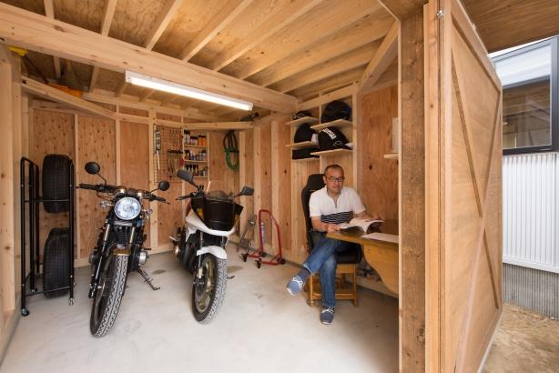 茨城県石岡市 木造バイクガレージのある住まい2