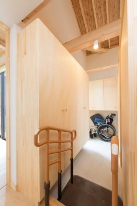 茨城県石岡市玄関収納車椅子のある生活