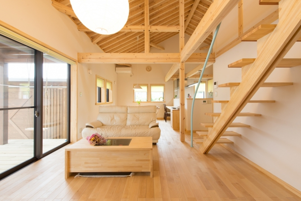 茨城県石岡市木のぬくもりあふれる無垢床、自然素材の住まい